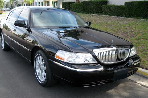 Luxury Sedans Lincoln Town Car